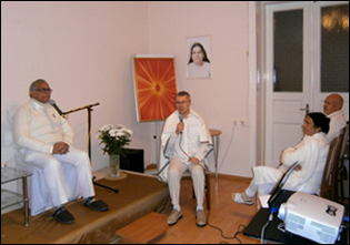 Dr. Madan Gulati and his wife Dr. Saras Gulati at Brahmakumaris Centre, Riga (Latvia)