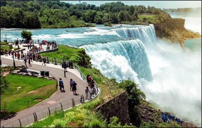Niagara Falls, British Columbia, Canada